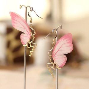 Jewelry - 𝕙𝕡𝕏𝟚! Beautiful Butterfly Wing Fairy Earrings